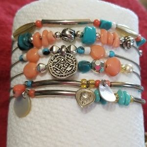 Jewelry - Set of 6 Bracelets